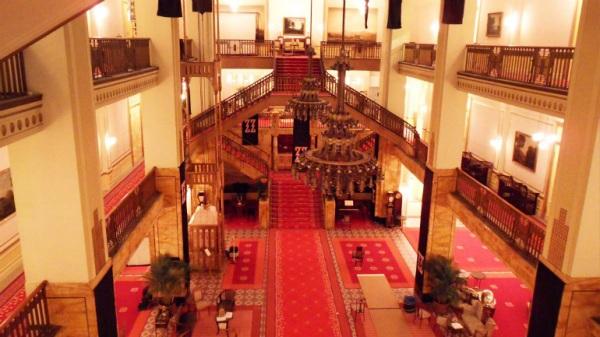 grand-budapest-hotel-set-photo-interior