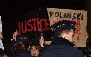 Bakınız Fuaye: Polanski Protestoları